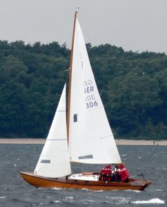 folkboat sous voiles